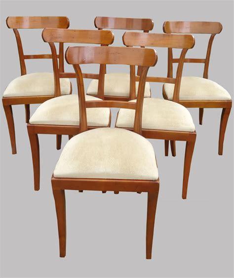chaises merisier six chaises en merisier de style classique mais contemporaines