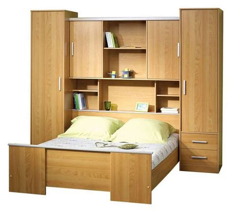chambre a coucher avec pont de lit chambre complte