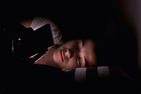 teens  lose sleep   social media