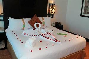 16 Romantic Bedroom Ideas For Him Or Her That Will Impress ...