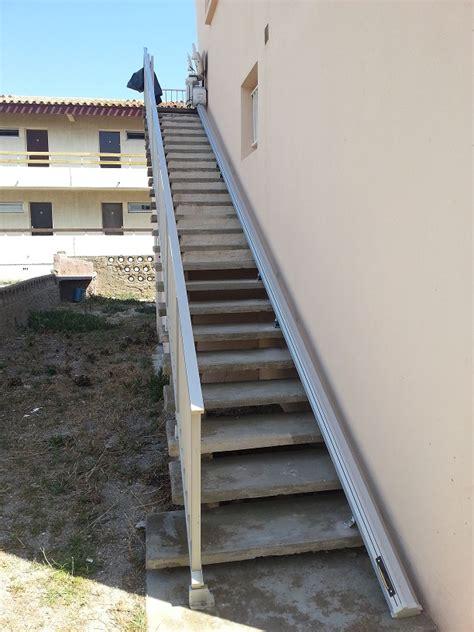 monte escalier droit horizon exterieur mobideal