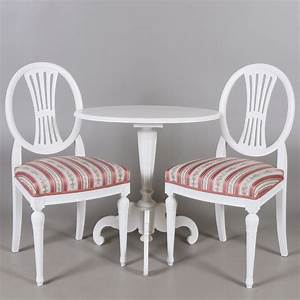 Kleiner Esstisch Mit 2 Stühlen : kleiner tisch mit 2 st hlen gustavianisch altes pastorat von 1890 ~ Markanthonyermac.com Haus und Dekorationen