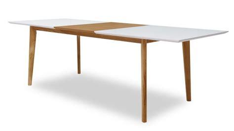 canapé d angle grand table à diner svartan avec plateau blanc mat et rallonge