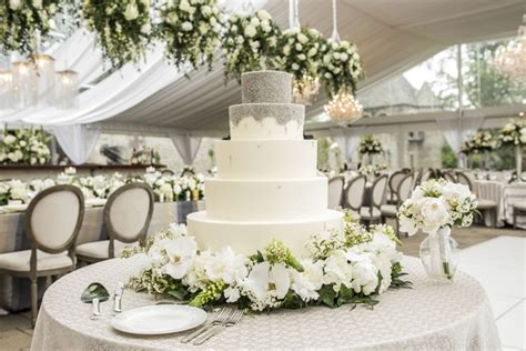 Romantic Garden Wedding With White & Green Motif In