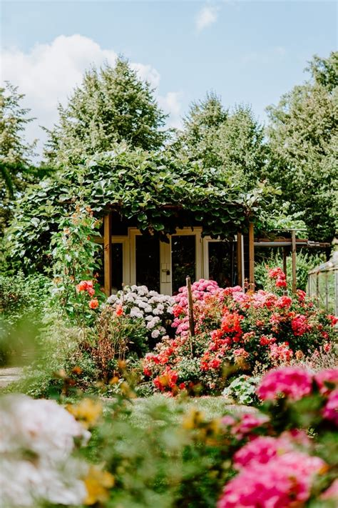 10 Beautiful Gardening Landscapes And Ideas