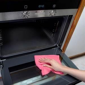 Backofen Glas Reinigen : backofen reinigen mit natron anleitung in 4 schritten ~ Orissabook.com Haus und Dekorationen