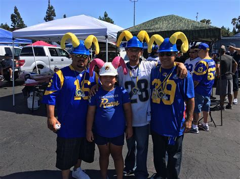 los angeles rams tailgate party  premium seats usa