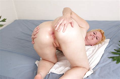 Short Haired Blonde Milf Gets Mouth Fucked And Anally
