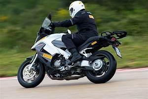Pression Pneu Moto : pneus route pirelli angel gt ~ Medecine-chirurgie-esthetiques.com Avis de Voitures