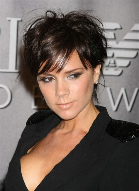 victoria beckham short hairstyle layered pixie cut with