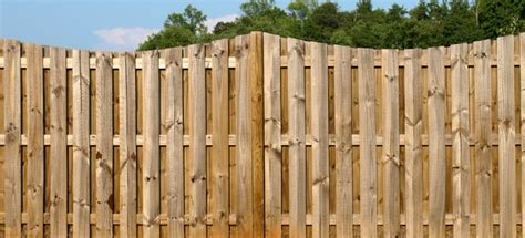 What Type Of Screws To Use On A Wood Fence