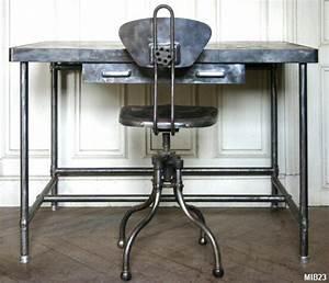 Chaise Bureau Industriel : ensemble pupitre vers 1960 ~ Teatrodelosmanantiales.com Idées de Décoration