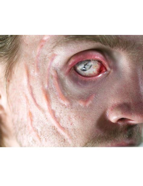 wulstige narben halloween tattoo  teilig haut rot