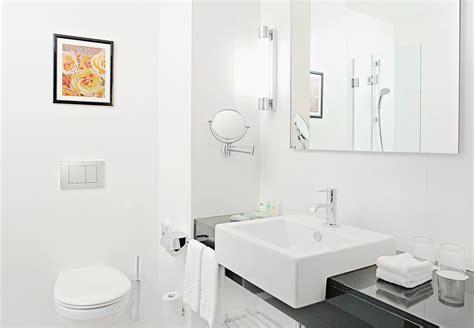 chambre haut de gamme salle de bains d 39 une chambre haut de gamme courtyard