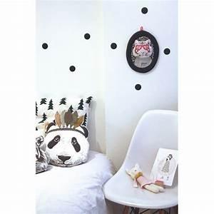 coussin deco chambre With chambre bébé design avec coussin a fleurs