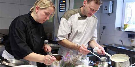 salaire moyen commis de cuisine offre d 39 emploi l 39 auberge du parc carola à ribeauvillé