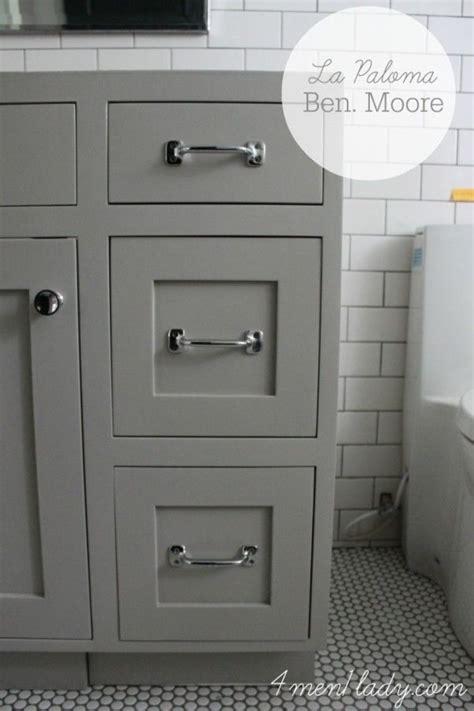 warm gray kitchen cabinets best 25 benjamin pashmina ideas on 7001