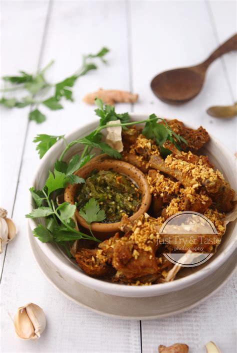 Masakan ayam yang gurih ini bisa dibuat sekaligus banyak, dan disimpan dalam lemari es atau 5. Resep Ayam Kampung Goreng Bumbu Kuning dengan Sambal Cabai ...