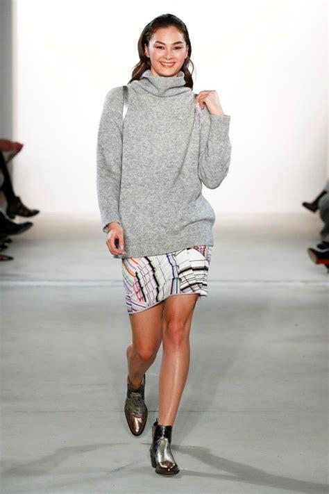 sneaker trend herbst 2017 riani mit samt und kunstpelz mode herbst 2017 winter 2018 mbfw berlin