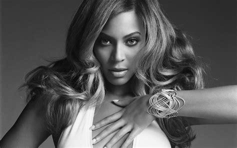 List Of Best Singers Top 10 Most Popular Best Singers Hit List