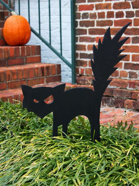 Cute Halloween Yard Stakes by Black Cat Outdoor Halloween Decoration Hgtv