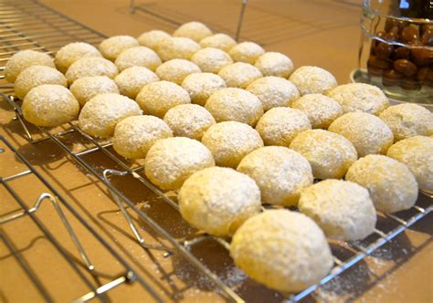 To do ahead, cover and refrigerate pan of unbaked stuffed pasta shells up to 24 hours. Easy Christmas Cookies…Mexican Wedding Cookies   Christmas food, Christmas cookies easy ...