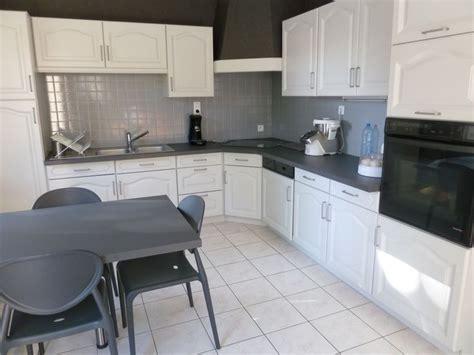 meuble de cuisine repeint faire soi même rénover une cuisine comment repeindre
