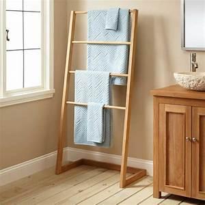 Handtuchhalter Stehend Holz : porte serviette bois mural chelle ou sur pied en 45 id es ~ Whattoseeinmadrid.com Haus und Dekorationen