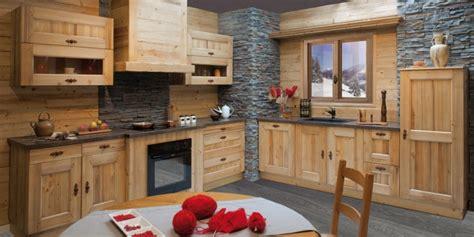 photo cuisine en bois la cuisine cagnarde apporte l 39 esprit rustique à la maison