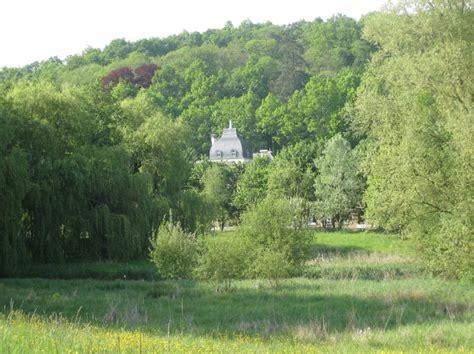 musee de la toile de jouy mus 233 e de la toile de jouy seen from the river bi 232 vre an hour from