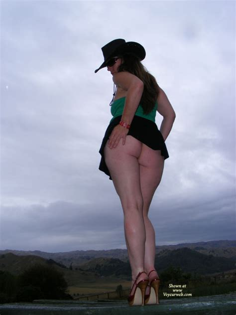 Pantyless Ass Exposed In Nature March 2008 Voyeur Web