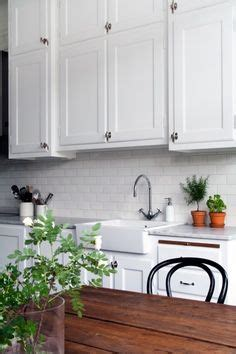 kitchen backsplash how to white subway tiles grout and subway tiles on 5038