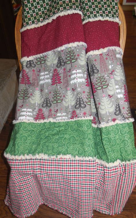 make a rag strip christmas tree best 25 rag quilts ideas on