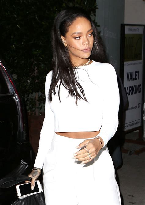Style 2015 Frühling by Rihanna Style At Giorgio Baldi Restaurant In Los Angeles
