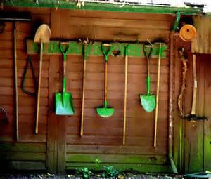 rangement outils jardin entretenir et ranger ses outils jardissimo