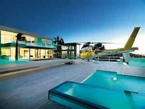 maison contemporaine de luxe qui change de couleur With eclairage exterieur maison contemporaine 10 piscine et amenagement carquefou contemporain terrasse