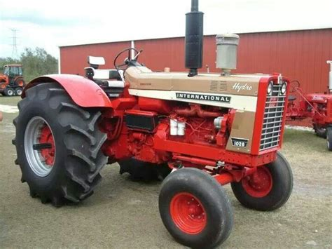 1026 Wheatland Gold Demo  International Tractor