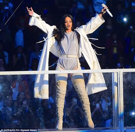 Rihanna pays tribute to Princess Diana with statement top in New York City | Daily Mail Online