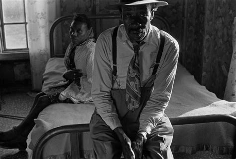helping sharecroppers   south eugene richards