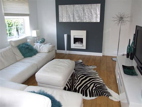 creating  feature wall tidyinteriorshomestyling