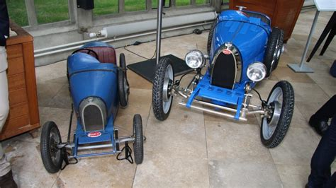 In building the baby ii, bugatti tried to replicate as much as it possibly could to bring the type 35's although french racing blue was used for the prototype, bugatti says the baby ii can be painted in. Електричен Bugatti Baby II за малите принцеви и принцези но и родителите - AVTOKLUB.mk