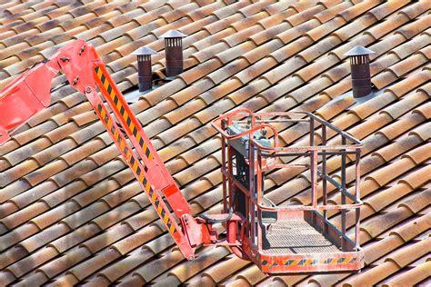 Wie Lange Halten Dachziegel by Dachinspektion Im Fr 252 Hling Dachwartung Pflicht