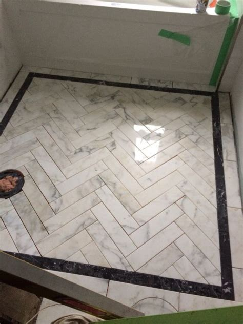dress   bathroom shower floor add  black tile