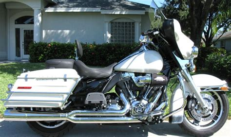 Police Air Ride Seat Installed On Street Glide