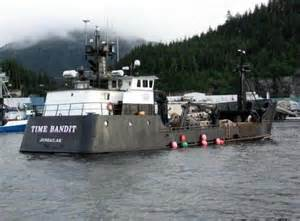 deadliest catch crab boat time bandit rescues crew from