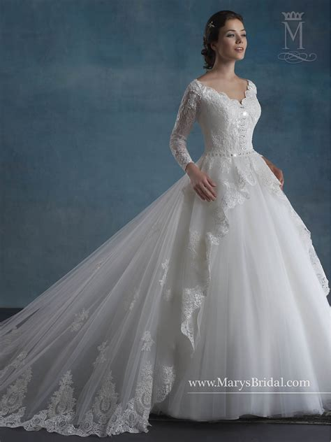 bridal wedding dresses style   ivory  white color