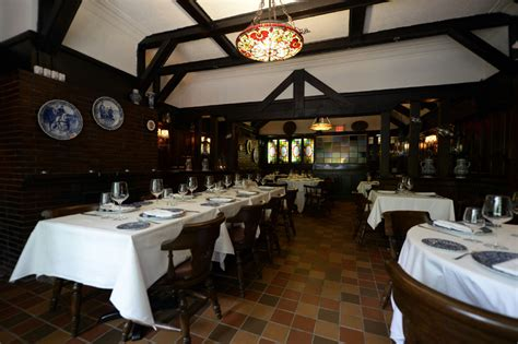review  carmens steak house tweaks history  star