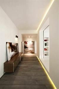 les 25 meilleures idees de la categorie led plafond sur With carrelage adhesif salle de bain avec eclairer escalier avec led