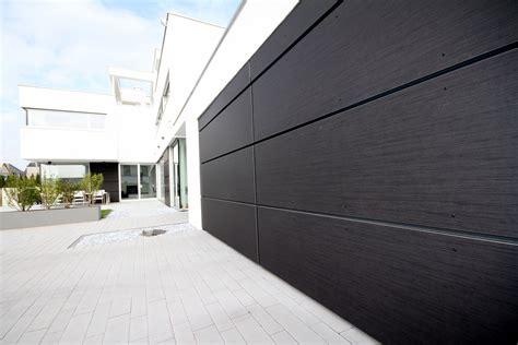 Fassade Günstig Verkleiden by Fassade Und H 246 Rmann Garagentor Verkleidet Mit Trespa