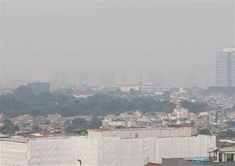 Penangkapan terjadi di kecamatan wenang, tepatnya kompleks pelabuhan manado, rabu (9/6/2021) pukul 13.00 wita. Jakrta Di Siang Bolong Menunjukan Banyaknya Polusi Kabut